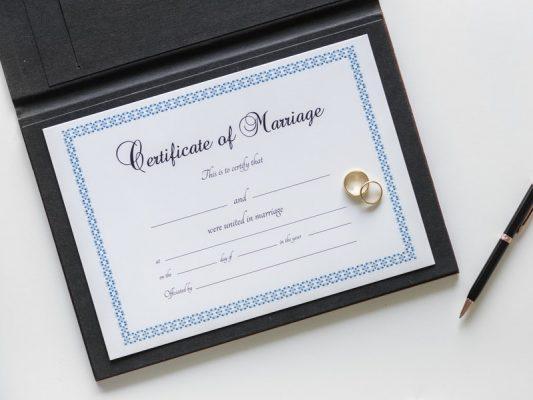 kết hôn